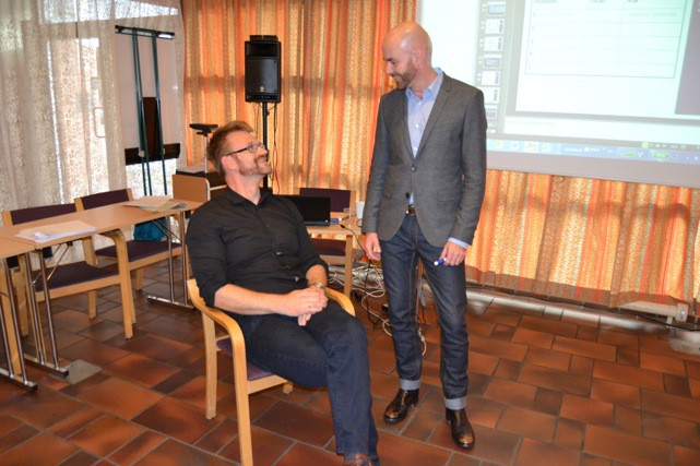 Møller-Pedersen involverer deltakerne i rollespill i sin undervisning