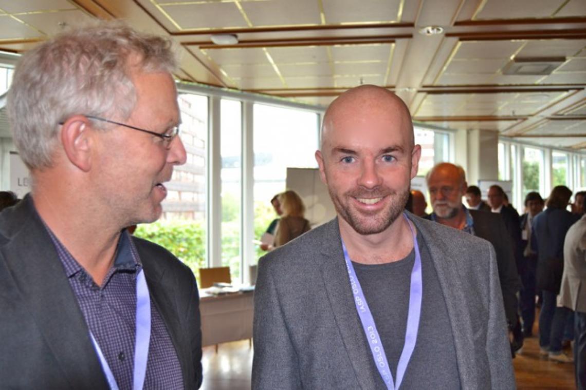 Christian Møller-Pedersen i samtale med seniorrådgiver ved selvmordsforebyggende team ved RVTS Sør, Øyvind Dåsvatn