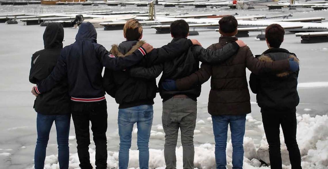 """Bildet er hentet fra et fotoprosjektet som guttene selv deltok i ved asylmottaket i Lillesand. Flere bilder og intervjuer er tilgjengelig i heftet """"UngeBlikk""""."""